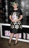 Lena Dunham Photo - London UK Lena Dunham at  Not That Kind of Girl book signing at Waterstones Piccadilly London Britain 29th October 2014Ref LMK73-49939-291014Keith MayhewLandmark Media WWWLMKMEDIACOM