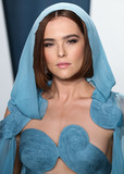 Zoey Deutch Photo - BEVERLY HILLS LOS ANGELES CALIFORNIA USA - FEBRUARY 09 Zoey Deutch arrives at the 2020 Vanity Fair Oscar Party held at the Wallis Annenberg Center for the Performing Arts on February 9 2020 in Beverly Hills Los Angeles California United States (Photo by Xavier CollinImage Press Agency)