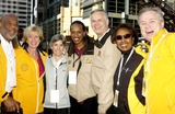 Jackie Joyner-Kersee Photo - THE CITY OF LOS ANGELES MARATHON 20TH ANNIVERSARY MARCH 6 2005 IN LOS ANGELES RUNNER JOANIE SAMUELSON-BENOIT(CENTER)COUNCIL MAYOR JAMES HAHN SISTER COUNCLIWOMAN JANICE HAHN MOHAMMAD ALI AND YVOPNNE BRAITHWAITE BURKE VALERIE GOODLOEK42057VGPHOTO VALERIE GOODLOE  GLOBE PHOTOS INC  2005