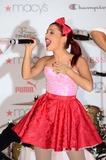 Ariana Grande Photo 1
