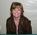 Heather Menzies Photo - Chiller Theater Conventin in East Rutherford New Jersey 04-30-2005 Photo by Barry Talesnnick-ipol-Globe Photos 2005 Heather Menzies