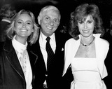 Aaron Spelling Photo - Aaron Spelling with Susan George and Stephanie Powers 1984 Supplied by Rangefinders-Globe Photos Inc