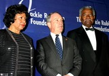 Ruth Simmons Photo - K36044MLTHE JACKIE ROBINSON FOUNDATION WILL HOST ITS ANNUAL AWARDS DINNER HONORING RECIPIENTS OF THE 2004 ROBIE AWARDS AT THE GRAND BALLROOM OF THE WALDORF ASTORIA HOTEL IN NEW YORK CITY382004PHOTO BYMITCHELL LEVYRANGEFINDERSGLOBE PHOTOS INC  2004DR RUTH SIMMONS MAYOR MICHAEL BLOOMBERG AND OSSIE DAVIS