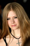 Avril Lavigne Photo - Avril Lavigne K32466 Mtv Video Music Awards Arrivals Radio City Music Hall New York City 08282003 Photo Ed Geller  Globe Photos Inc