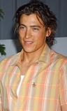 Andrew Keegan Photo - the 2nd Annual Night with the Friends of El Faro Fundraiser the Barker Hanger Santa Monica CA 05082004 Photo by Miranda ShenGlobe Photos Inc 2004 Andrew Keegan