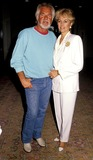 Kenny Rogers Photo - Kenny Rogers and Wife Marianne Photo Byphil RoachipolGlobe Photos Inc