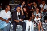 Jacqueline Kennedy Onassis Photo - Jacqueline Kennedy Onassis M9551 1975 Photo by Globe Photos Inc Jacquelinekennedyonassisretro