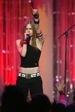 Avril Lavigne Photo -  Kiis Fm Jingle Ball Concert 2002 at the Arrowhead Pond in Anaheim CA 12192002  Photo by Fitzroy Barrett  Globe Photos Inc 2002 Avril Lavigne