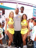 AC Green Photo - Sd08042002 Celebrate National Kidsday at the Santa Monica Pier (080402) Derek Fisher Ac Green (acgreen Foundation and Lakers) and Lakers Girls Photomilan RybaGlobe Photos 2002 (D)