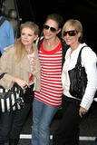 The Dixie Chicks Photo - Guests Arrive For a Taping of the Late Show with David Letterman Ed Sullivan Theatre New York City 05-22-2006 Photo by John Barrett-Globe Photos 2006 Natalie Maines of the Dixie Chicks with Emily Erwin and Martie Erwin Maguire