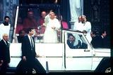 John Paul Photo - Pope John Paul Ii Passes Thru Crowds at Sacred Heart Church New Jersey Photo S Russell  Ipol  Globe Photos Inc
