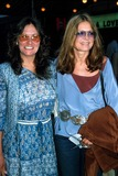 Linda Lovelace Photo - Linda Lovelace with Gloria Steinem Photo by a ScullGlobe Photos Inc