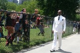 Starship Photo - Eddie Murphy on the Film Set of Starship Dave Filming in Central Park New York City 06-22-2007 Photo by John Barrett-Globe Photosinc 2007