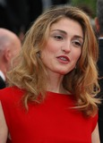 Julie Gayet Photo - Julie Gayet Actress Robin Hood Premiere and the Opening Ceremony of 63rd Annual Cannes Film Festival in Cannes  France 05-12-2010 Photo by David Gadd-allstar-Globe Photos Inc