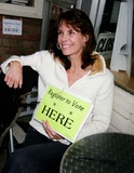 Alexandra Paul Photo - Register to Vote Here Hosted by Alexandra Paul Stans Doughnut Shop Westwood CA 04-11-07 Alexandra Paul Photo Clinton H Wallace-photomundo-Globe Photos Inc