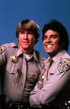 Tv-film Still Photo - Erikestradaretro Larry Wilcox and Erik Estrada Chips Tv-film Still R0448 1979 Photo Supplied by Globe Photos