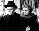 Yul Brynner Photo - Ingrid Bergman and Yul Brynner in Anastasia 1956 Supplied by IpolGlobe Photos Inc Ingridbergmanobit