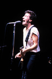 Bruce Springsteen Photo - Bruce Springsteen 1986 Gregg MancusoGlobe Photos Inc