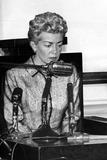 Lana Turner Photo - Lana Turner Testifys in Johnny Stompanato Murder Hearing Santa Monica Courthouse Photo Joe FriezerGlobe Photos Inc