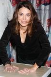 Alanna Ubach Photo 1